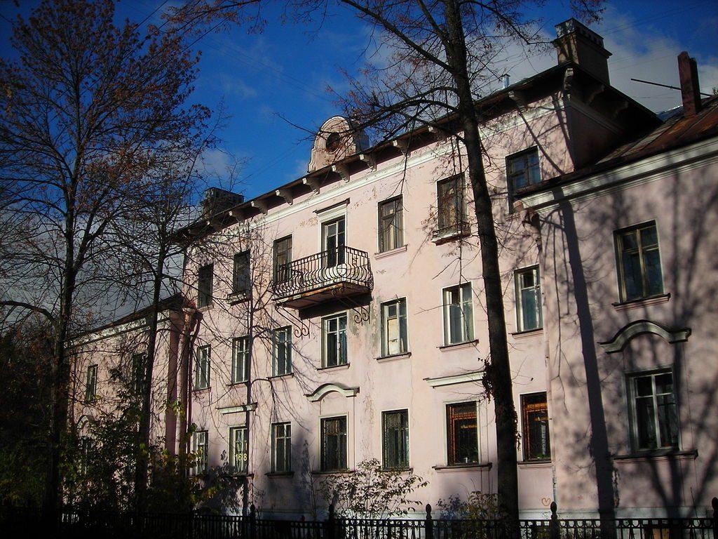 Дом на Дибуновской, построенный пленными немцами
