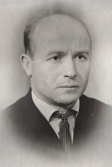 Михаил Арсеньевич Белов
