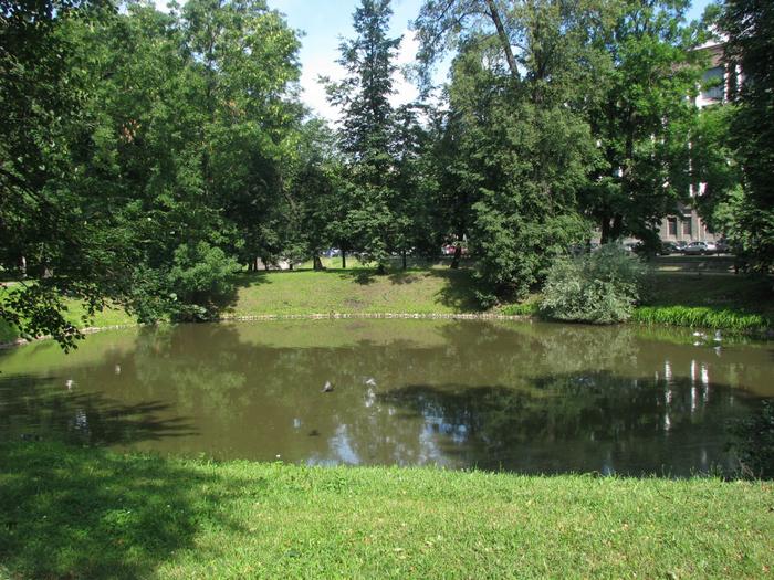 Пруд в Строгановском парке